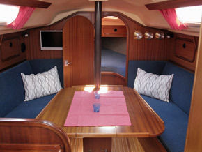 dehler 31 mieten segelboot charter boote. Black Bedroom Furniture Sets. Home Design Ideas